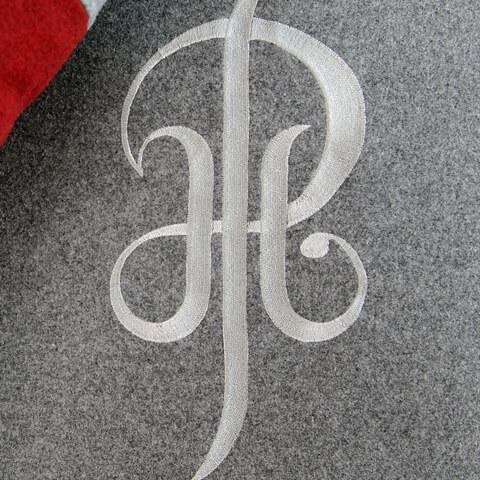 Logo brodé